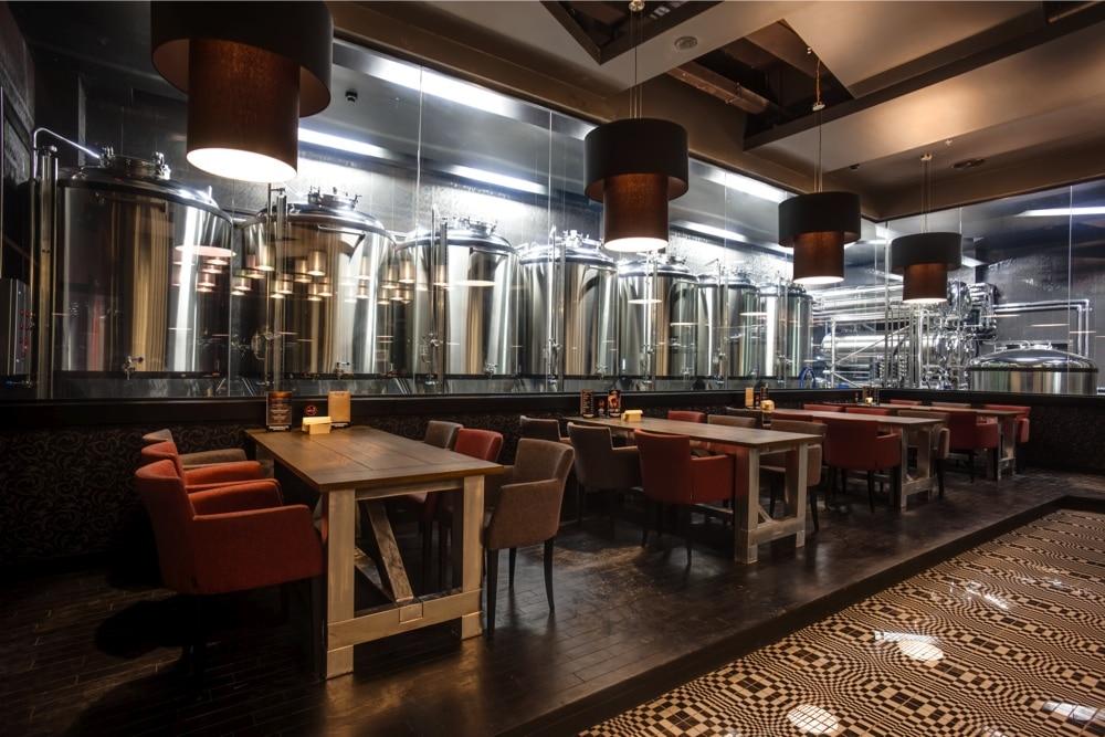 Пивоварня для ресторана за стеклом 1